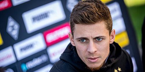 Hazard My Head Is Still Here At Borussia Borussia Monchengladbach